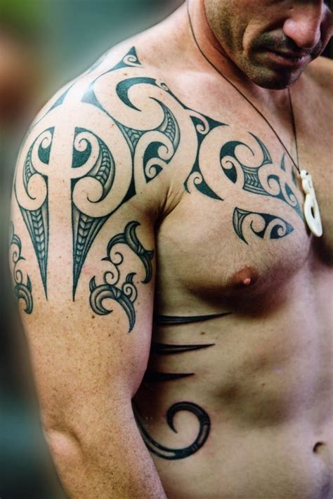does a tattoo on top of your shoulder hurt 69 traditional tribal shoulder tattoos