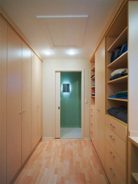 Narrow Closet Ideas by 25 Interesting Design Ideas And Advantages Of Walk In Closets