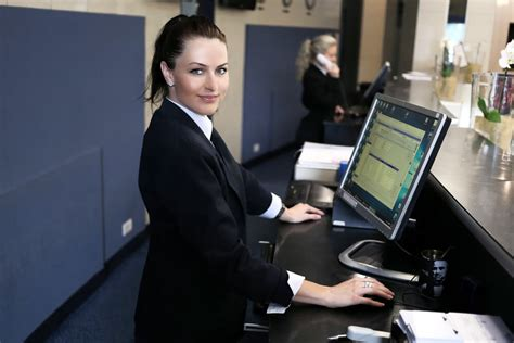 hotel receptionist opera pms hotel software iap
