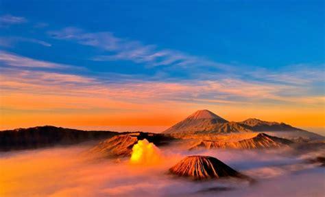 pesona sunrise  puncak gunung bromo smartmama