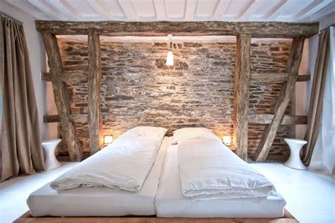 tür für dachschräge schlafzimmer gestalten tipps