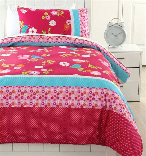 Pillow Talk Bedspreads by 95 Best Ideas About Beautiful Bedding And Soft Furnishings