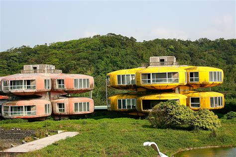 taiwan house abandoned resort sanzhi taiwan
