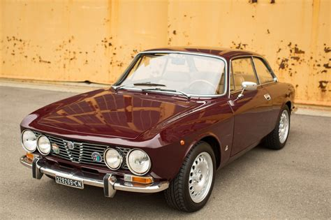 alfa romeo garage 1972 alfa romeo gtv 2000 spec petrolicious