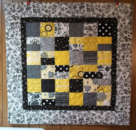 black and white baby quilt pattern quilting in the bunkhouse cute baby quilt