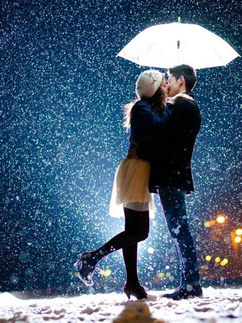 4k wallpaper kiss couple kiss in love love snow umbrella 4k hd wallpaper