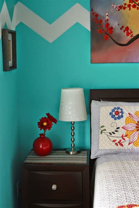 what colors go with turquoise walls turquoise and bedroom