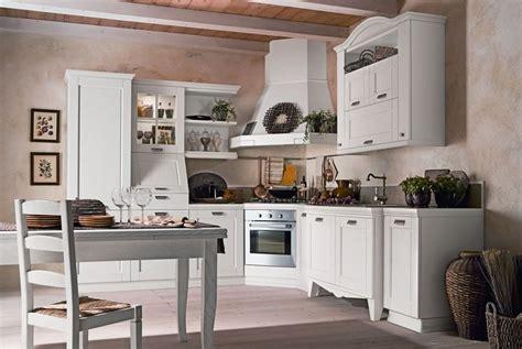 Dipingere Mobili Cucina Vecchia by Come Rinnovare Una Vecchia Cucina 7 Consigli Da Seguire
