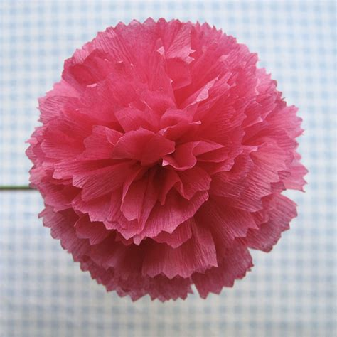 Crepe Paper Flower - crepe paper flowers using streamers and a ruffler foot