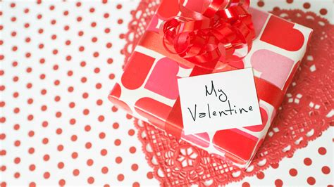 what get boyfriend for valentines day 12 s day gifts for new boyfriends s