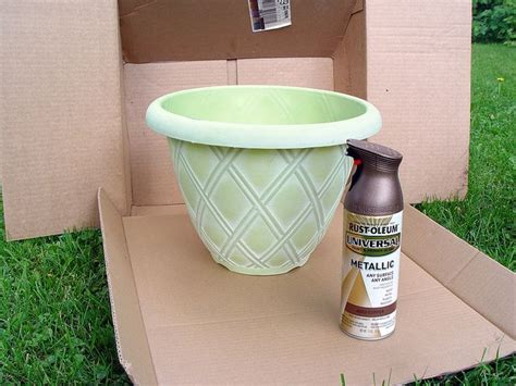 Painting Plastic Planters by 1000 Ideas About Plastic Flower Pots On