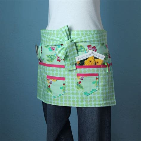 pattern for vendor apron garden craft or vendor apron with amy butler fabric with