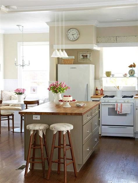 small kitchens with islands best 25 small kitchen islands ideas on pinterest small