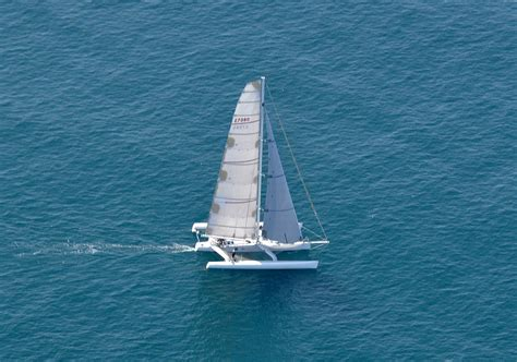 trimaran english file loereal 60 foot waterworld trimaran jpg wikimedia