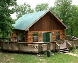 cedar siding cabin pictures to pin on pinsdaddy