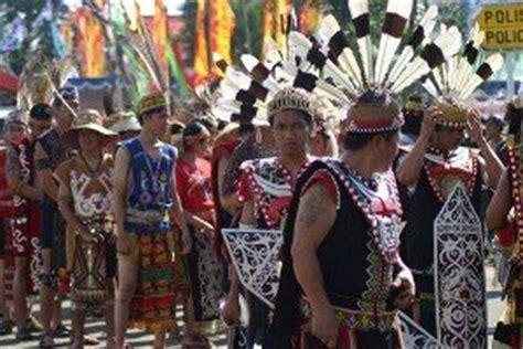Gelang Tangan Kulit Unisex Tibet Manik Manik fitinline 3 ragam busana tradisional suku dayak ngaju