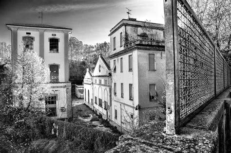corriere di pavia urbex pavia mostra sugli edifici abbandonati corriere it