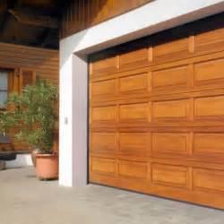 porte basculante per garage prezzi porta per garage basculante