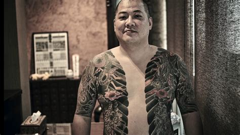 tattoo yakuza youtube unique glimpse into world of japanese mafia tattoos youtube
