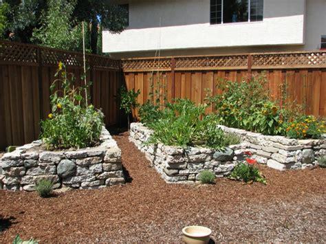 Bauanleitung Hochbeet Aus Stein 2126 by Hochbeet Im Garten Eine Sch 246 Ne Gartengestaltungsidee