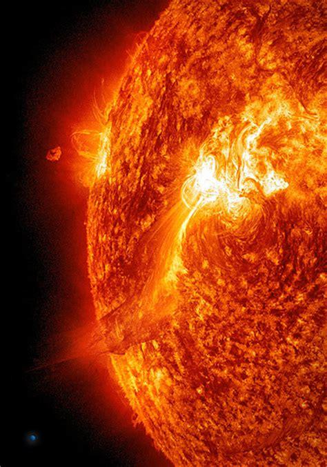 Solar Flare Lights Large Solar Flare On 9 25 11 Sdo Aia304 A Sized