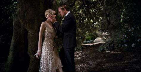 new still for the great gatsby featuring carey mulligan the great gatsby image featuring leonardo dicaprio collider