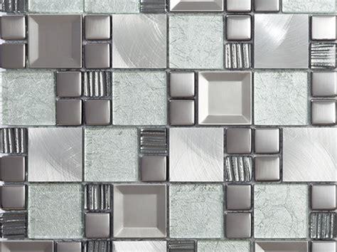 Kaos Metal No 47 kaos frozen vacker mosaik i en kombination av glas och