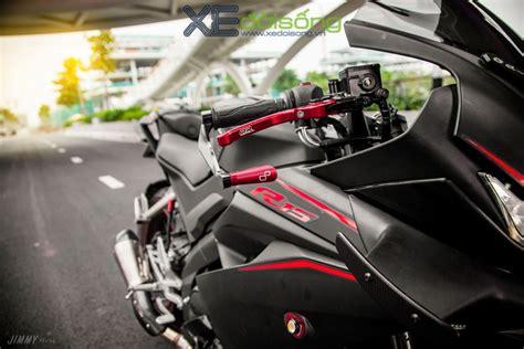 meet yamaha    motogp winglets akrapovic