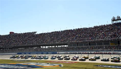 NASCAR: Pros and Cons Of Single File Racing At Restrictor