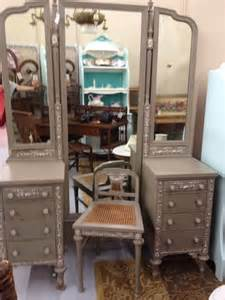 vintage vanity dressing table with tri fold mirror