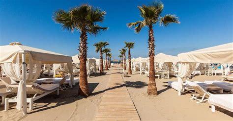 d italia cambio giorno le 7 spiagge pi 249 care d italia 1 000 al giorno in