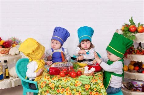 activité manuelle cuisine inspiration rideaux motifs