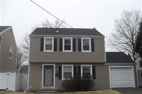Houses For Sale Linden Nj by 906 Laurita St Linden New Jersey 07036 Reo Home Details