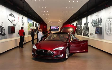 Tesla Showroom 1000 Images About Tesla Store Design On