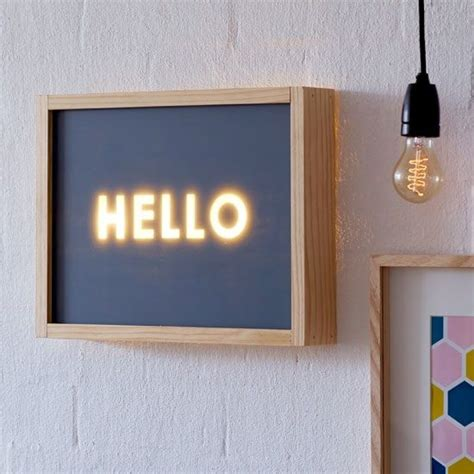 Handmade Light Box - typographique lightbox diy signs neon