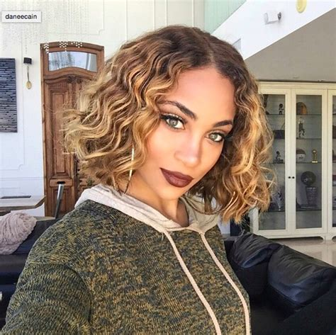 ambre suit curly hair ambre suit curly hair ombre hair coloring ideas for