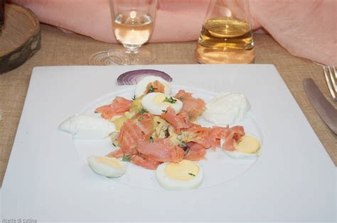 come si cucina il salmone insalata di salmone affumicato e patate ricette di cucina