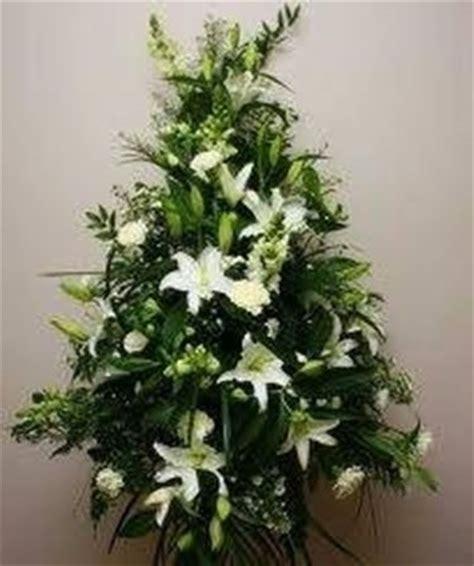 composizioni fiori chiesa addobbi floreali in chiesa fiorista