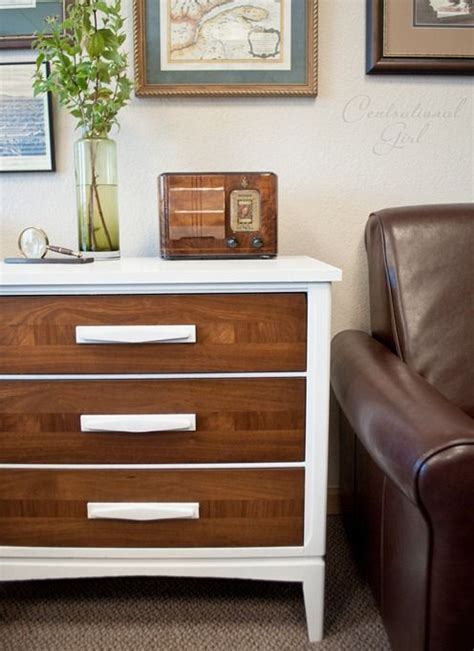 Best Way To Paint A Dresser White by The 25 Best Ideas About Wood Chest On Storage