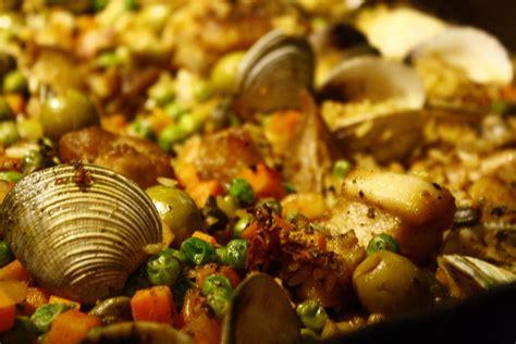 come si cucina la paella di pesce come fare la paella di pesce surgelata sapori nuovi