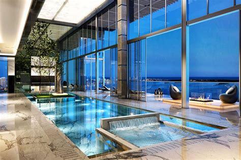 La piscine intérieure ? un rêve pour profiter de l?eau