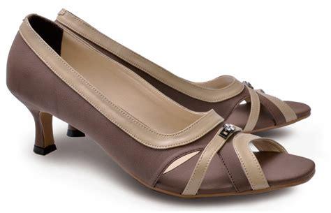 Sepatu Kulit Pantofel Wanita Len 596 Coklat toko sepatu cibaduyut grosir sepatu murah sepatu formal wanita