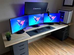 Pc Gaming Desk Setup Battlestation Refresh 2017 Bestgamesetups Gaming Setup Desks And Computer Setup
