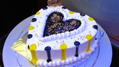 anniversary cake simple heart shape cake cake anniversary cake easy heart shaped cake decoration