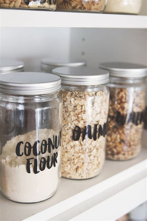 Diy Pantry Labels by How To Make Labels For Your Pantry Sisoo