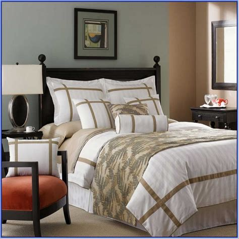 large decorative bed pillows a buying guide for the queen canopy bed frame trusty decor