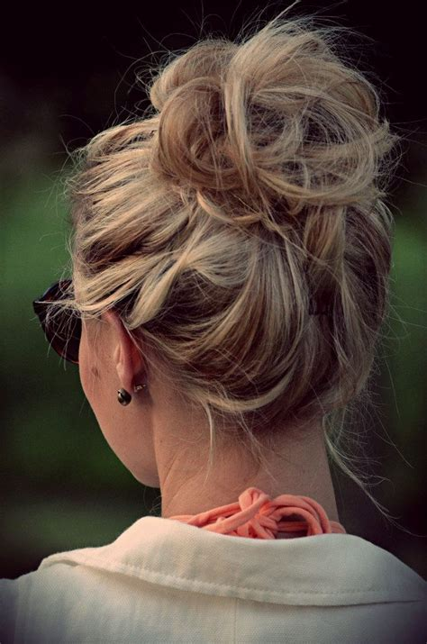 scruffy hair bun loose bun hair designs for your holiday pretty designs