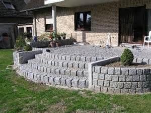 terrasse bauen stein terrasse gestalten hang speyeder net verschiedene