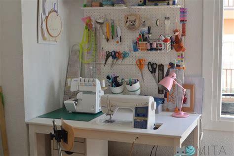 ideas para decorar mi cuarto de costura y manualidades c 243 mo hacer una mesa para la m 225 quina de coser momita s blog
