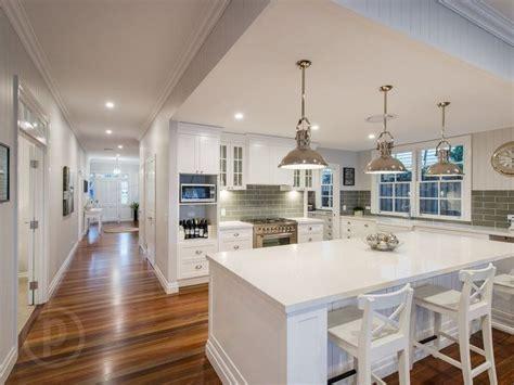 kitchen color schemes australia 25 best ideas about htons house on style kitchen fixtures design of